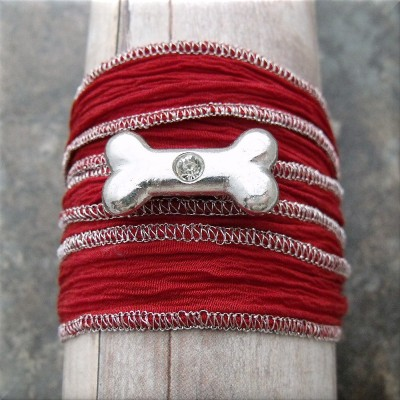 dog bone crystal red fabric wrap bracelet1