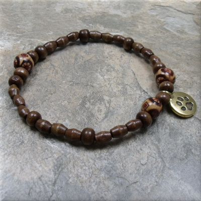 Wood bead gold paw charm bracelet2