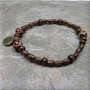 Wood bead gold paw charm bracelet3